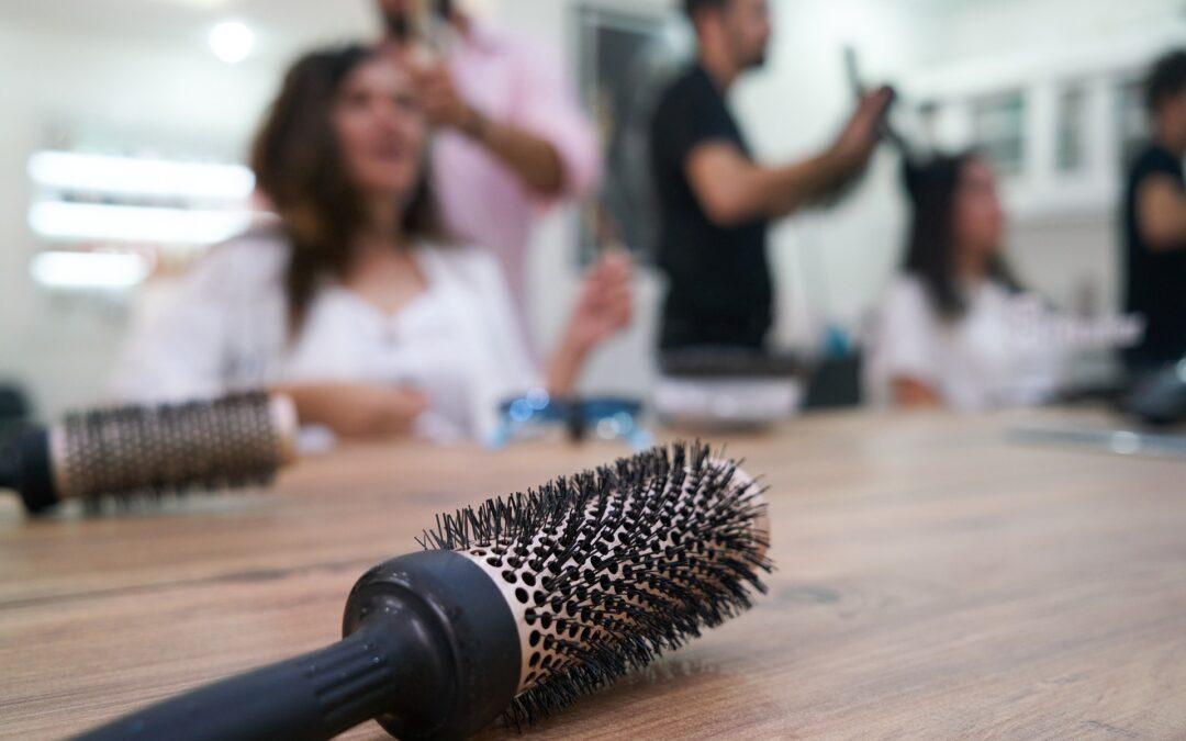 Il parrucchiere imprenditore, tra oroscopo e nuove sfide